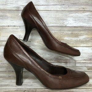 Joan & David 8.5M Brown Leather Moc Toe Dress Pump